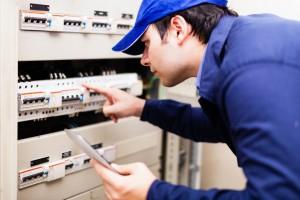 Comment rénover son installation électrique ?