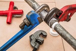 Plomberie : comment identifier et réparer une fuite ?
